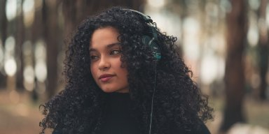 10 Ways To Fight Back Against Headphone Hair