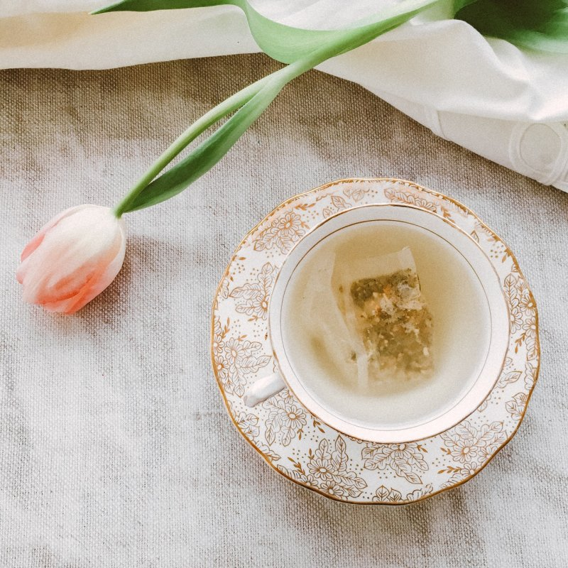 6 Of The Best Teas For Singing