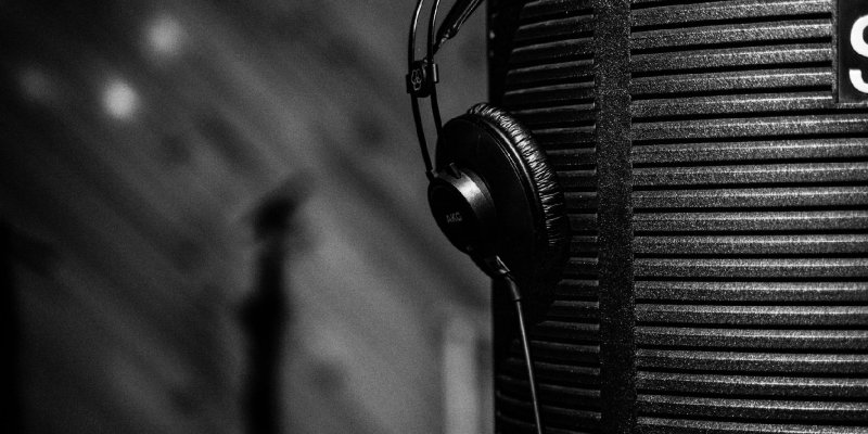 The Best Microphone Isolation Shield For Your Needs